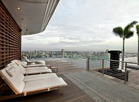 Rooftop patio with Infinity Swimming Pool