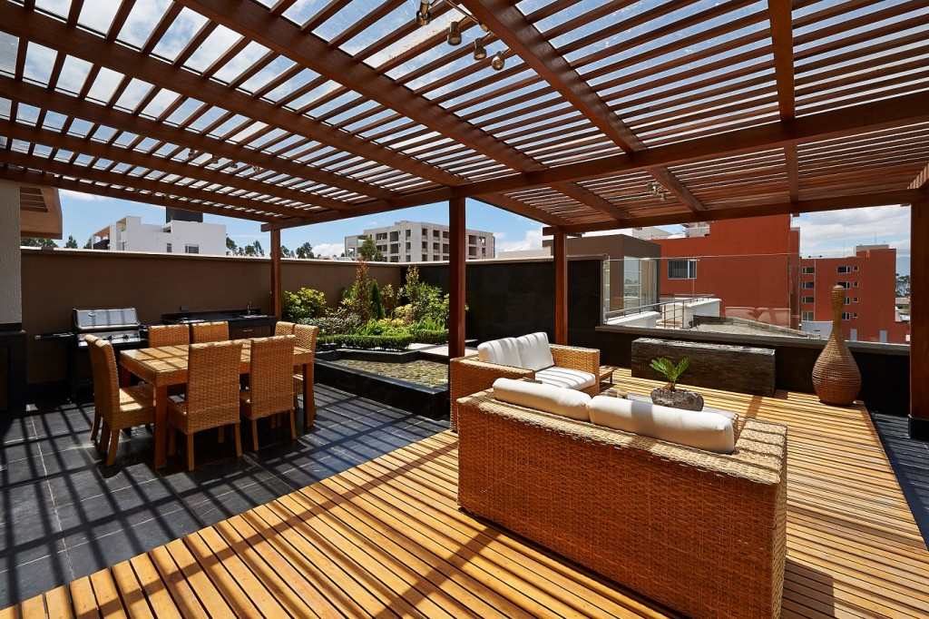Beautiful rooftop deck